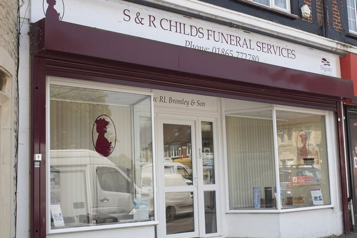 R L Bromley & Son Funeral Directors