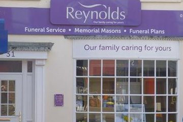 Reynolds Funeral Service & Monumental Masons
