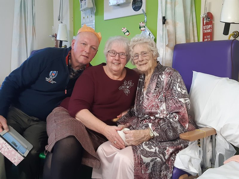 As always thinking of others. Charitable to the very end. Greatly loved & now missed, RIP Auntie Muriel. Xxxx