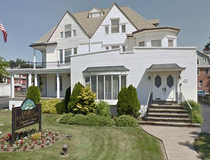Doyle Stonelake Funeral Home