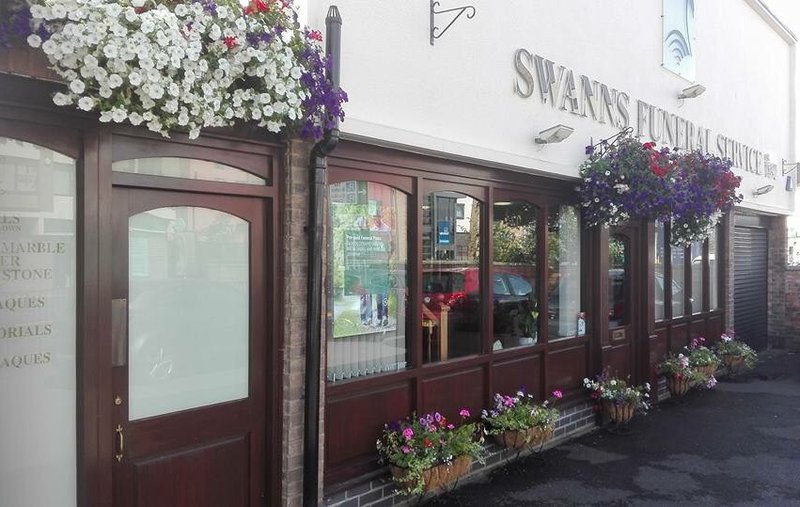 Swanns Funeral Service, Leicester, funeral director in Leicester