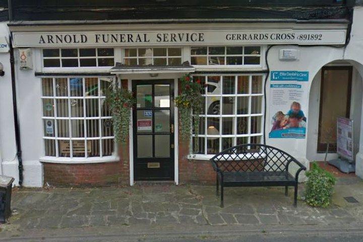 Arnold Funeral Service, Gerrards Cross