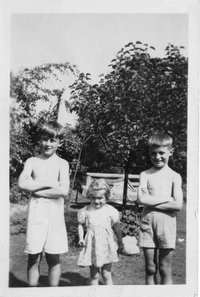 Brian Common, Joyce & David taken in the garden at Robin Down Lane taken by David & Joyces mother about 1947 - 1948. I think David & I were about 8 ?
