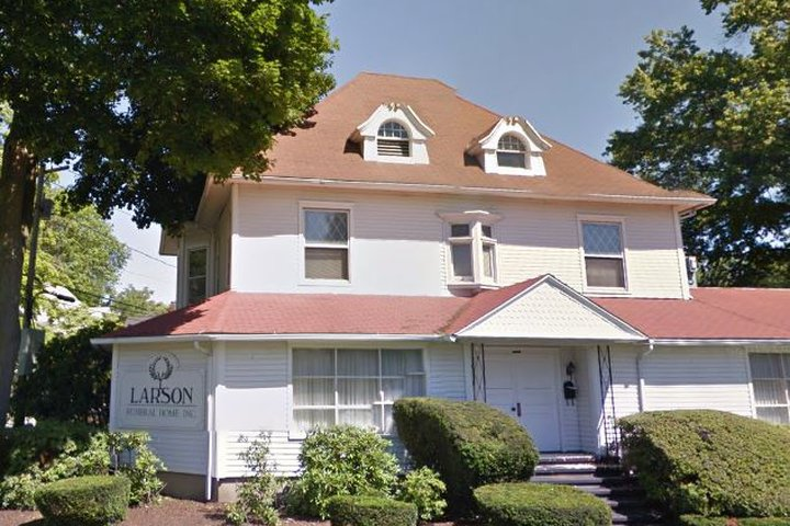 Larson Funeral Home, Bridgeport