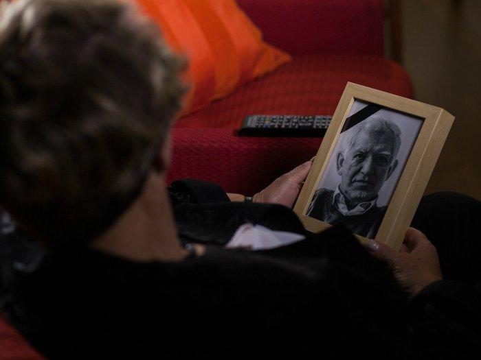 Dear Annie: Will my widowed sister move on?