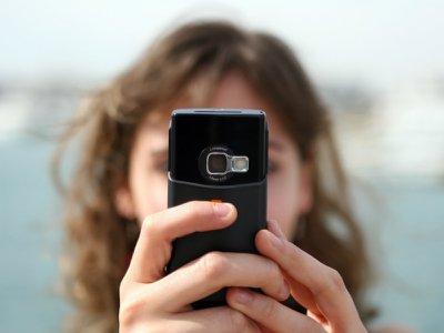 Smartphones and funeral etiquette