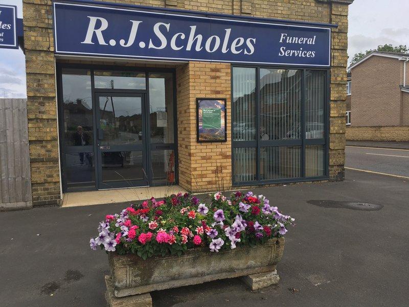 R J Scholes Funeral Service, Deeping St James , Peterborough, funeral director in Peterborough