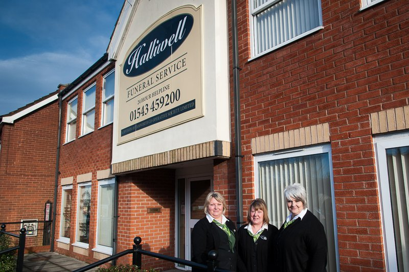 Halliwell Funeral Services, Heath Hayes, Staffordshire, funeral director in Staffordshire