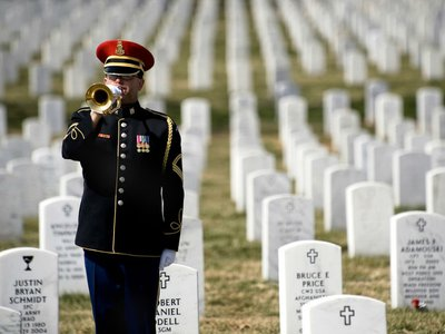 Lawmakers fight to save rifle salute at veteran funerals