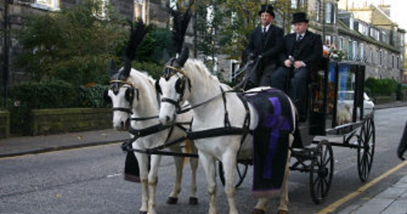 Porteous Family Funeral Directors, Blackhall, Edinburgh, funeral director in Edinburgh