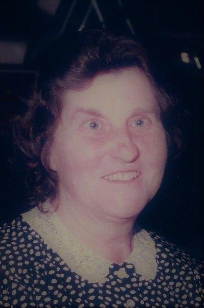 Loretta Debeuz