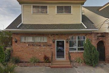 Labat-Charbonnet Funeral Home