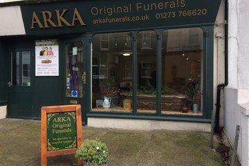 Arka Original Funerals, Surrey St