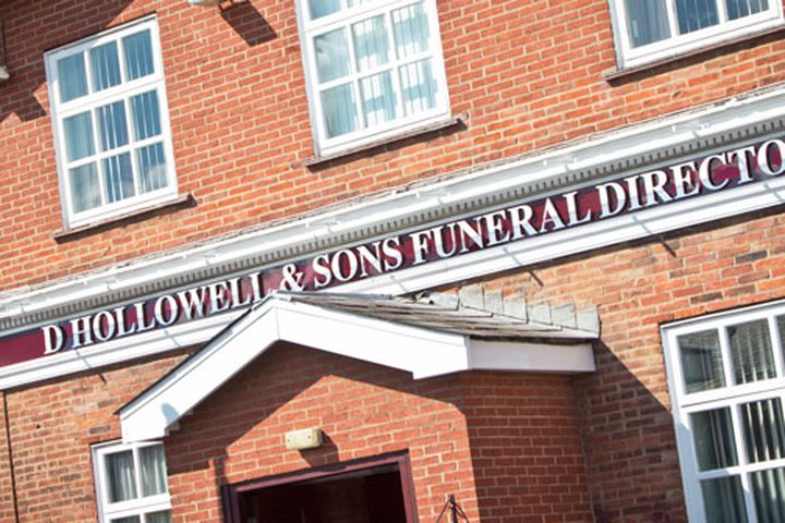 D Hollowell & Sons, Highfield