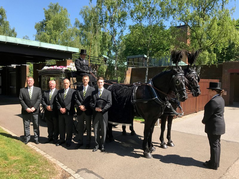 Murray's Independent Funeral Directors Burton-on-Trent, Staffordshire, funeral director in Staffordshire