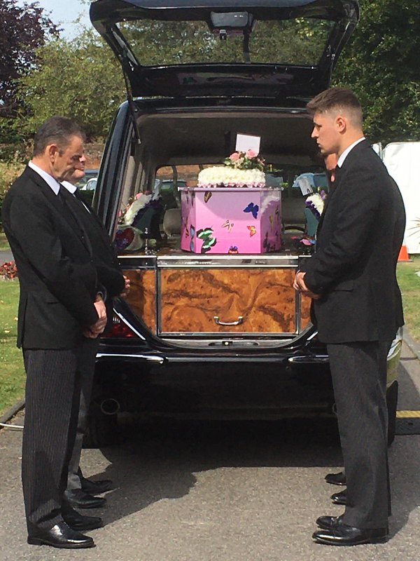 Brunskill Family Funerals, Chessington, Surrey, funeral director in Surrey