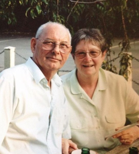 Uncle Laurance & Aunty Betty, August 1997