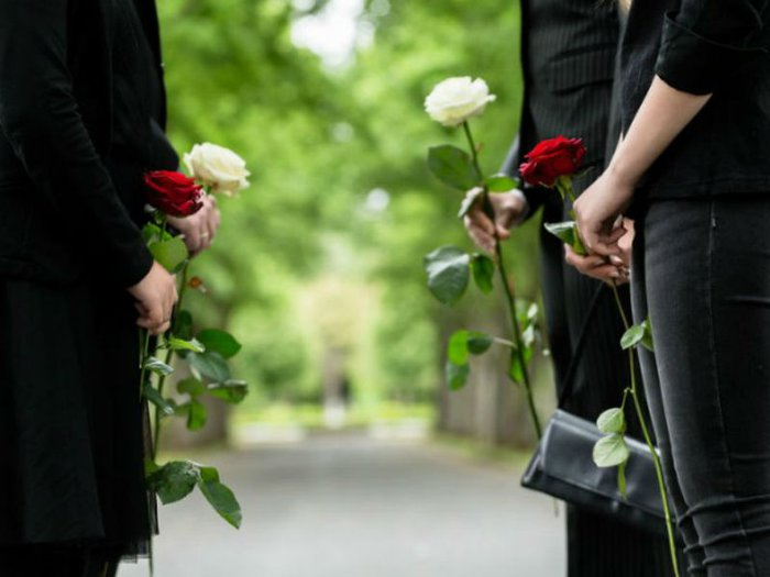 Talking to the bereaved at a funeral